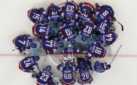 Strieborní medailisti z MS v hokeji v ZŠ v Košeci v stredu 30. mája 2012